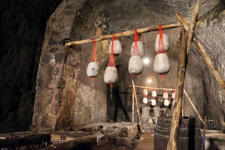 grottone-cantina-6.jpg